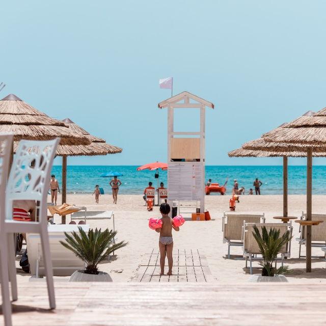 Beachclub-2 - Carizza Maganuco